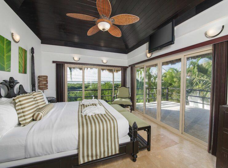 Sunset Master Bedroom - 2nd floor residence